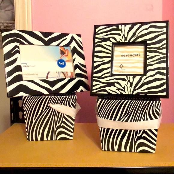 Zebra frames and buckets